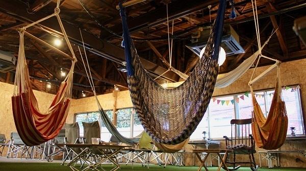 三鷹に「アウトドア気分を楽しめるコワーキングスペース」がオープン!ハンモックに揺られながら仕事も 3番目の画像