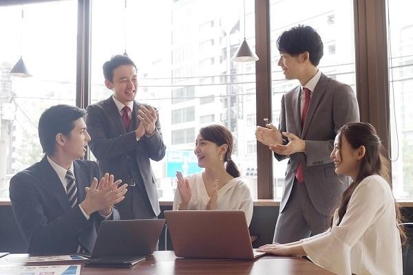 現役のお笑い芸人が講師!松竹芸能など3社が企業研修「笑育」を共同企画 2番目の画像