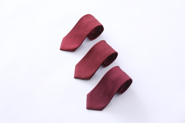 博多織ブランドOKANOから、紋様に平和を願う祈りを込めたネクタイ「衿結」が登場 4番目の画像