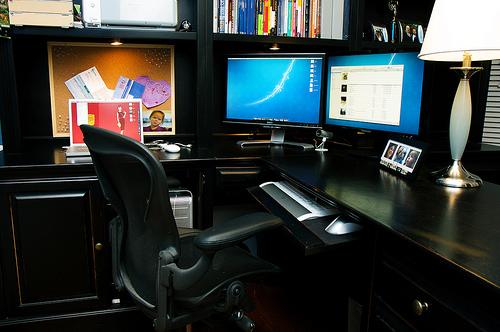 仕事の効率化には必須!軽視してしまいがちな「机周り」の環境の整え方 1番目の画像