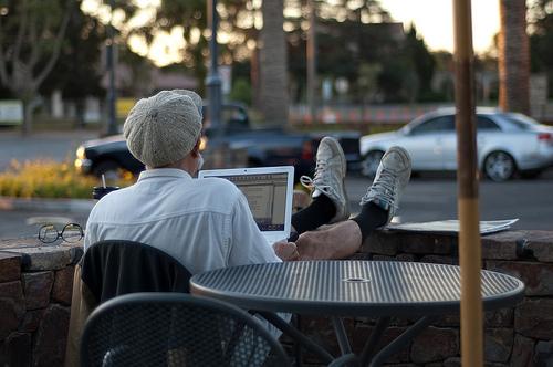 職場の「コミュニケーション」を活性化させることが仕事に与える3つの影響 1番目の画像