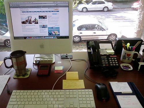 机にたまった書類を短時間で整理するコツ【朝の時間を有効活用】 1番目の画像